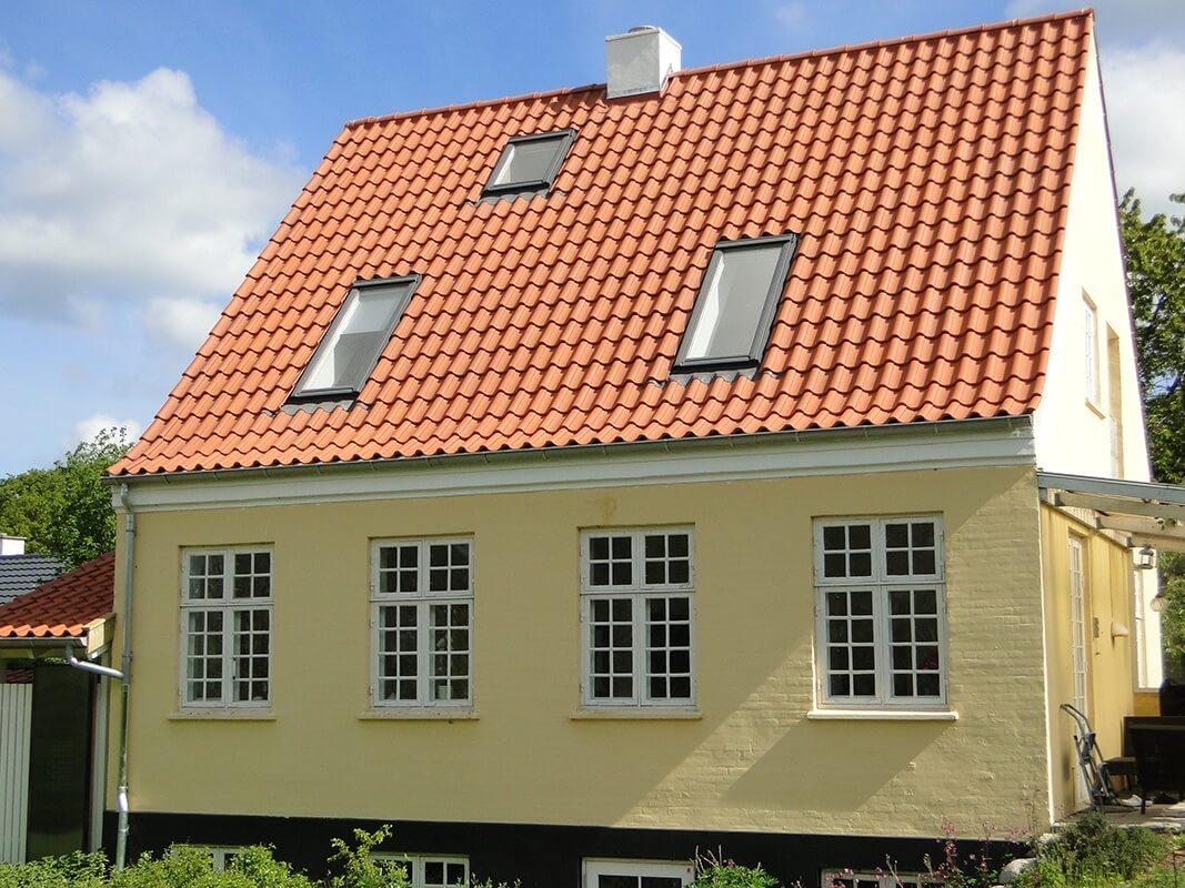 h14 natur skovkrogen 4 2 Tag og facade